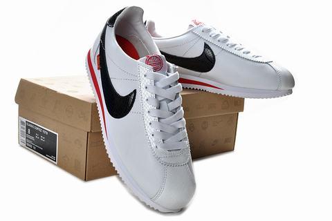 chaussure nike classic cortez nylon 09 pour homme